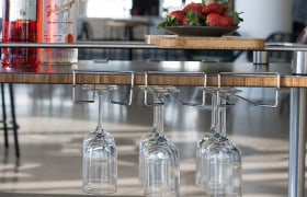 Roll'n cart wine glass holders